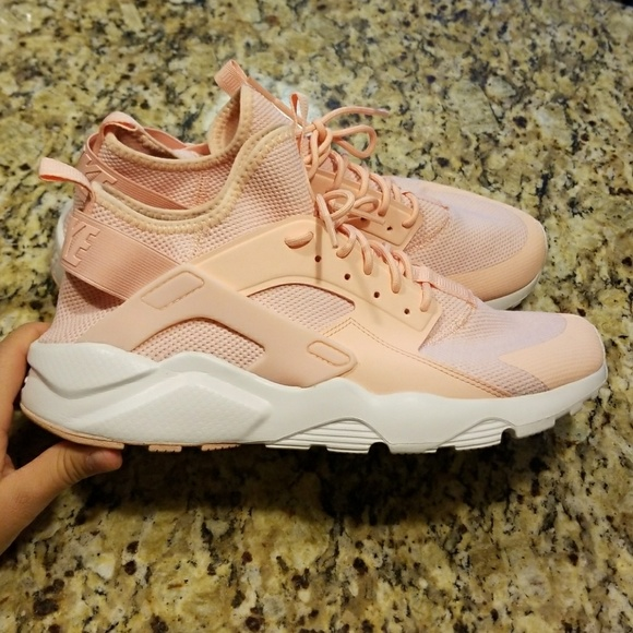 the best attitude e5a4f 96bc4 MENS NIKR AIR HUARACHE CASUAL  833147-801. M 5a354211a825a65bc700c1fb.  Other Shoes you may like. Nike trainer